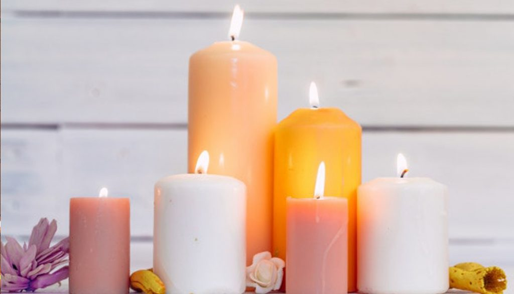 Decorating Your Condo This Christmas with Scented Candles
